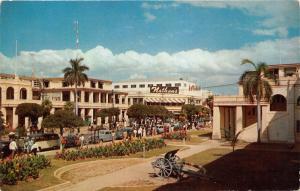 Kingston Jamaica~King Street~Nathans~Issas~40s & 50s Cars~VW Van~Cannon~Postcard