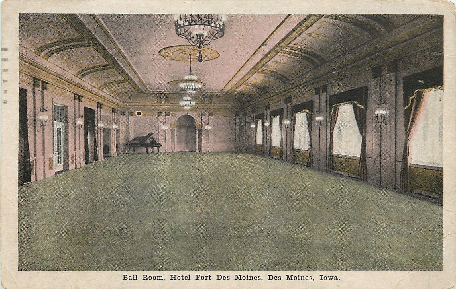 Des Moines Iowa~Ballroom Grand Piano~Hotel Fort Des Moines
