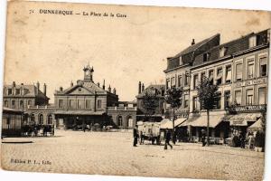 CPA DUNKERQUE - La Place de la Gare (136904)