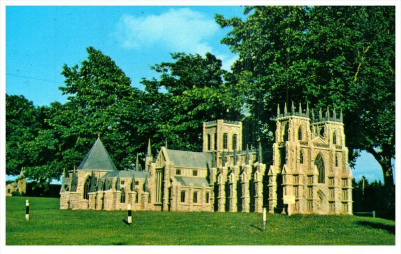 PEI  Kensington   Woodleigh Replicas  York Minister Cathedral