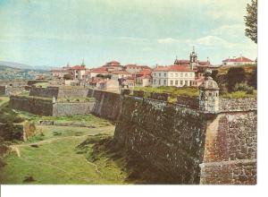 Postal 045809 : Valença do Minho - vista parcial da Fortaleza de Valença