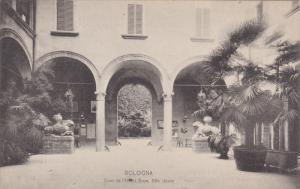 BOLOGNA, Cour de l'Hotel, Brun, XVe siecle, Emilia-Romagna, Italy, 00-10s