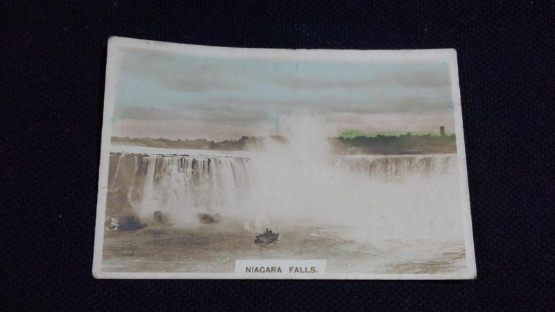 Cavanders Cigarette Card No 13 Colonial Series Niagara Falls
