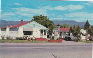 Restmor Court , Kelowna , B.C. , Canada , 40-60s