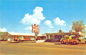 Boulder City NV Paulah Motel Mac's Garage Tow Truck Wrecker Postcard