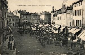 CPA  Yssingeaux - Le Marché - Place du Foiral  (691053)