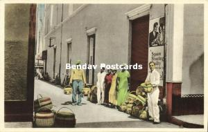 curacao, N.W.I., WILLEMSTAD, Street Scene with Basket Sellers (1930s)