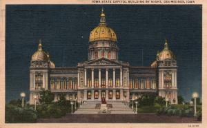 Des Moines, Iowa, IA, State Capitol at Night, 1953 Linen Vintage Postcard g822
