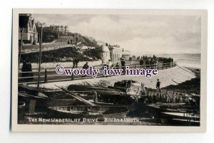 tq1922 - Hants - New Undercliff Drive & Fishing Boats,  Bournemouth - Postcard