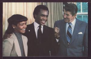 Ronald Reagan and Sugar Ray Leonard Post Card 3589