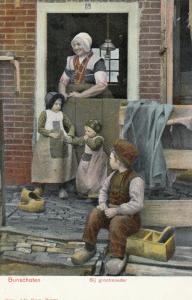 BUNSCHOTEN , Netherlands , 1901-07 ; Bij grootmoeder