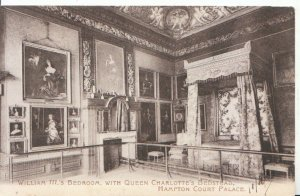Middlesex Postcard - William 111's Bedroom - Hampton Court Palace - Ref  3617A