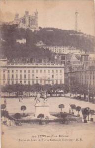 France Lyon La Place Bellecour Statue de Louis XIV et Coteau de Fourviere