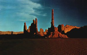 Monument Valley, Utah, UT, The Totem Pole, Chrome Vintage Postcard g9275