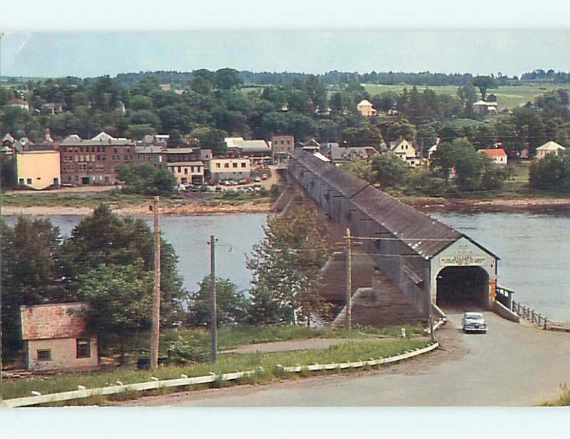 Pre-1980 TOWN BEHIND COVERED BRIDGE IN HARTLAND New Brunswick CANADA t8454