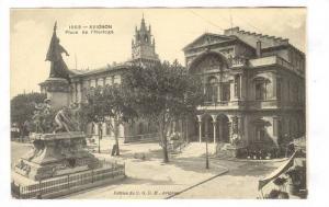 AVIGNON, Place de l'Horioge, Vaucluise, France, 00-10s