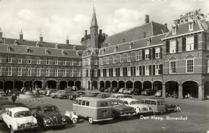netherlands, DEN HAAG, Binnenhof, Car VW Bus V.W. Beetle (1964) RPPC