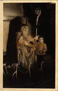 PC CPA SAINT NICHOLAS WITH STAFF AND A LITTLE BOY, Vintage Postcard (b17271)