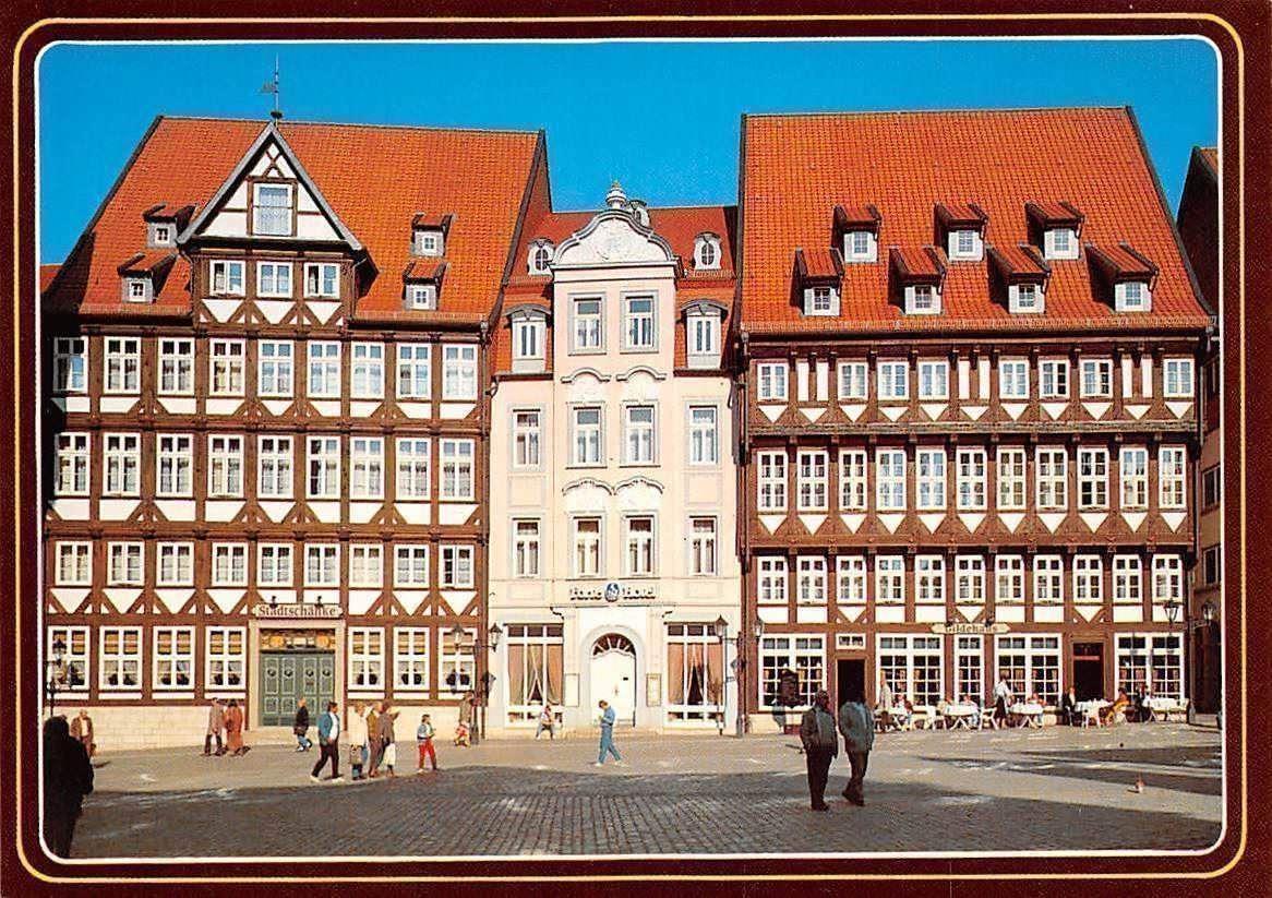 Hildesheim, Marktplatznordseite mit Stadtschaenke, Forte-Hotel und ...