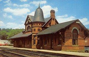 BALTIMORE & OHIO RAILROAD STATION Oakland, Maryland Depot ca 1950s Postcard