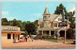 Hot Springs AR~Black Maid or Guest? Tower Motel w/Turret~Aubuchon-Richie 1950s
