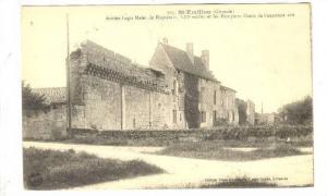 Ancien Logis Malet De Roquetort Et Les Remparts Ouest De l'Ancienne Cite, St-...