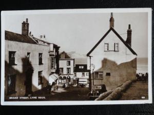 Dorset LYME REGIS Broad Street c1951 RP Postcard by Dearden & Wade 800