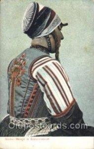 Bruidcostuum Native Costume Unused some corner wear, yellowing from age, ligh...