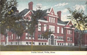 D56/ Wells Minnesota Mn Postcard 1910 Public School Building