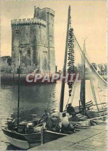 Modern Postcard La Rochelle (Charente Maritime) a corner Port and Tour St Nic...
