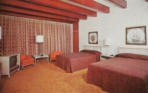 BILOXI , Mississippi, 40-60s ; The Broadwater Beach, Spacious Lanai Rooms
