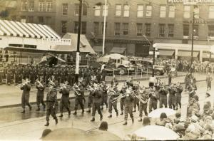 Canada - ON, Toronto. Canadian Army Military Band, WWII  *PHOTO, Not A Postcard