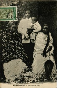 CPA TANANARIVE Une Famille Hova MADAGASCAR (709492)