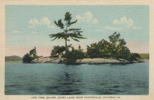 HUNTSVILLE , Muskoka , Ontario , Canada, 1930s ; One Tree Island, Fairy Lake