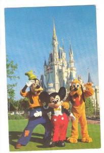 Mickey Mouse, Goofy and Pluto, Cinderella Castle, Disneyworld, PU_1979