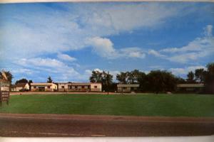 Unused pre-1980 SKYVIEW MOTEL in Vergennes Vermont VT postcard y2815