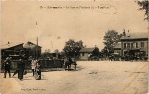 CPA FORMERIE La Gare et l'Arrivée du Trotillard (376977)