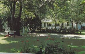 Exterior,  Walnut Grove Motel,  Kelowna,   B.C.,  Canada,  40-60s