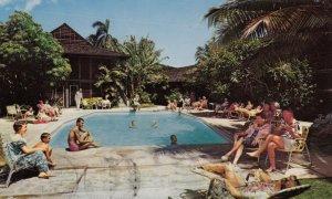 WAIKIKI , Hawaii , 1964; The Breakers, Swimming Pool
