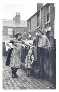 Nostalgia Postcard Neighbours in Vaughton Street Birmingham 1954 Repro Card NS38
