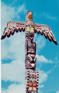 Eagle-Thunderbird Totem Pole, Stanley Park, VANCOUVER, British Columbia, Cana...