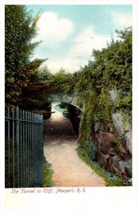 14625   RI Newport  the Tunnel in Cliff