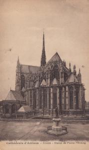 AMIENS, France, 1900-10s; Cathedrale d'Amiens - Abside - Statue de Pierre L'E...