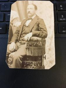 Vintage Cabinet Card Photo - Late 1800s Man in Suit, Seated