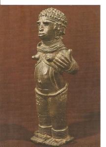 Postal 022141 : Benin, bronze figure of a woman with right hand broken off