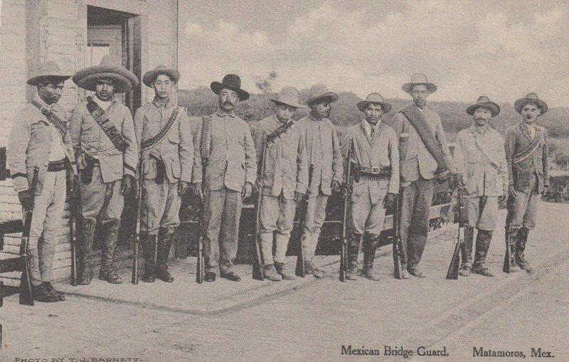 MATAMOROS , Mexico , 00-10s ; Mexican Bridge Guard
