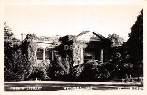 <A18> OREGON Or Postcard Real Photo RPPC 1946 MEDFORD Public Library