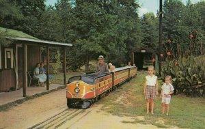 OPELIKA , Alabama , 50-60s ; Miniature Train, Opelika Civic Club Park