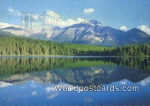 Pyramid Lake Canada, du Canada Jasper National Park Pyramid Lake Jasper Natio...