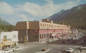 The New Mount Royal Hotel Banff Alberta Canada 1960s Postcard